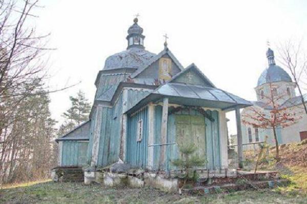 На Лановеччині є унікальна церква, якій майже чверть тисячоліття