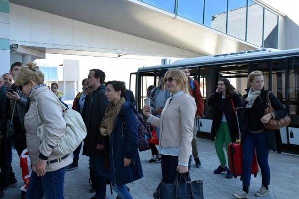 У київському аеропорту влаштували побоїще на транзитній зоні (Фото)