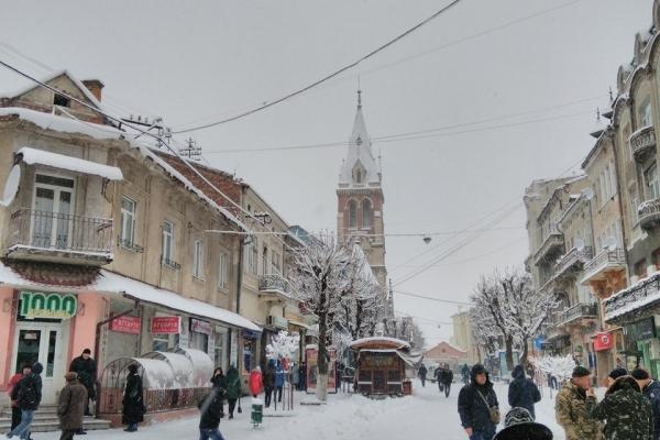 Зимовий Чортків: Неймовірні пейзажі засніженого міста (Фото, Відео)