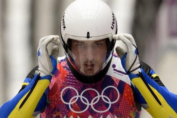 З'явилося відео падіння кременецького саночника на Олімпіаді. Чоловікові неймовірно пощастило (Відео)