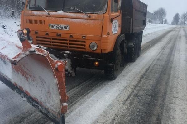 Нова фірма взялася очищати дороги Тернопільщини