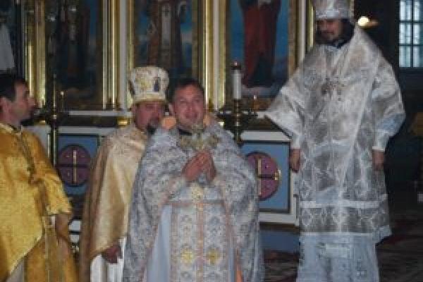 Протоієрей Олексій Філюк не чекає на людей у храмі, а йде до храмів їхніх душ