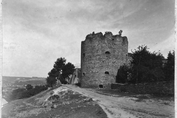 Замок і костел в Буданові на ретрофото