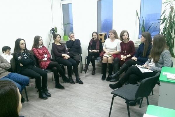 «Щоб не здавати на крейду та ганчірки», - у Тернополі обговорили, як контролювати батьківські внески у навчальних закладах