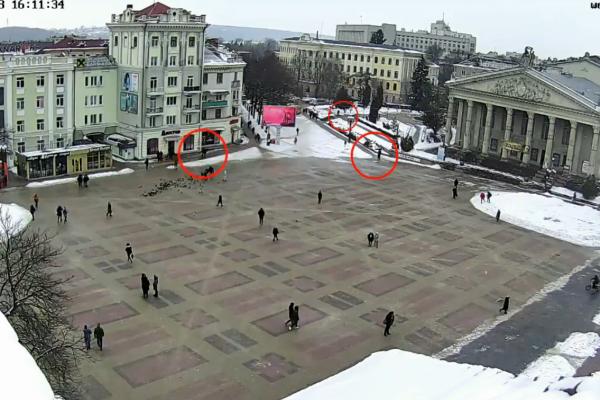 З'явилось відео з камер спостереження: на екс-депутата очікували (Відео)