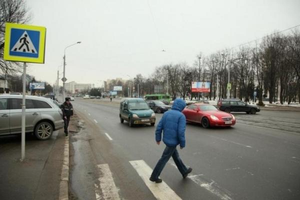 В Києві водій-неадекват накинувся на пішохода (Відео)