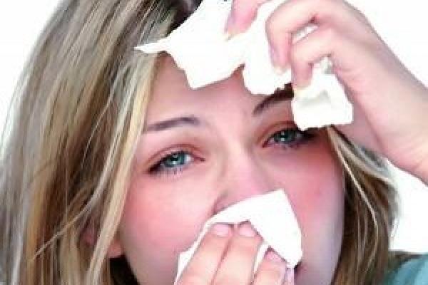 Тернопільські лікарі: чому у вас вдома сльозяться очі і хочеться чхати?