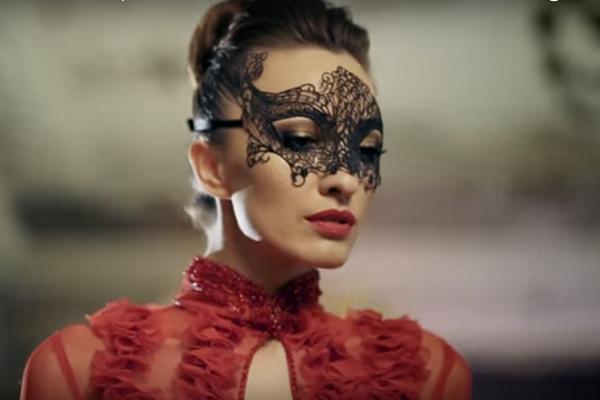 Дружина тернопільського депутата знялася у кліпі відомого співака (Відео)