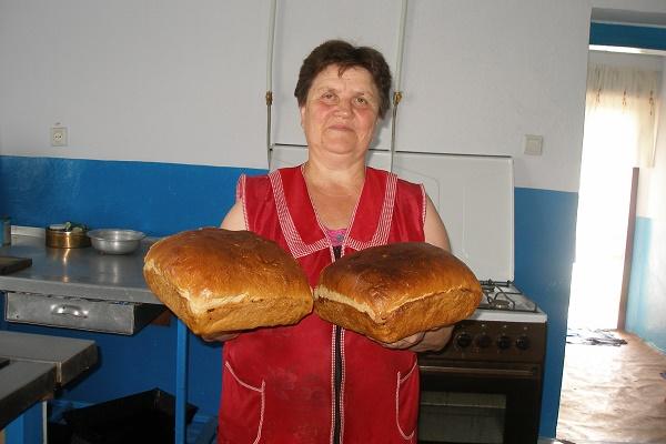 Духмяно пахне мамин хліб: випічка Анастасії Думи з Дубівців під Тернополем смакує всім