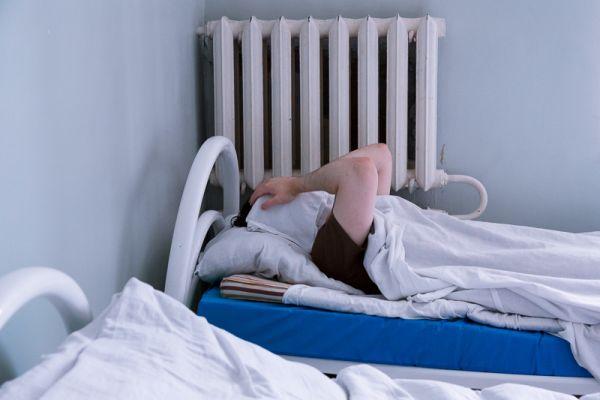 У лікарні на Тернопільщині пацієнтів залишають без одягу?