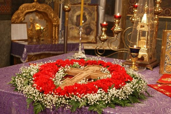 Сьогодні, 11 березня, Третя неділя Великого посту – Хрестопоклонна