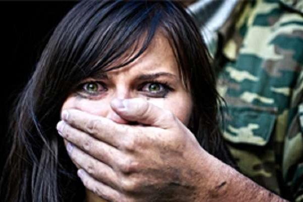 Сексуальне насильство на Донбасі: Як переживають війну українські жінки