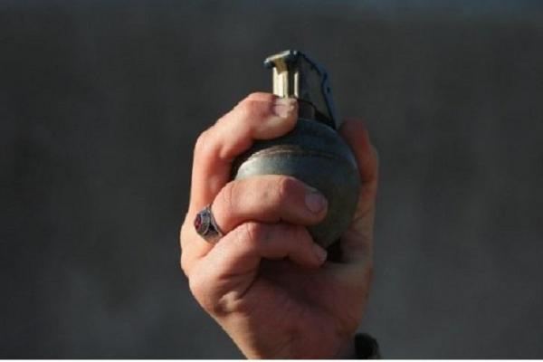 Біля Тернополя чоловік погрожував дружині гранатою