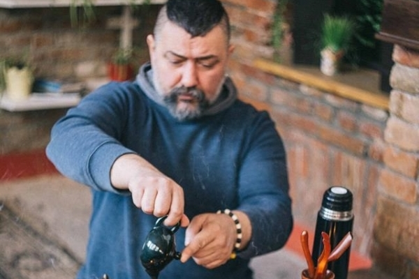 Тернополянин Микола Більчук розповів, чому «заварені українські трави» не можна називати чаєм