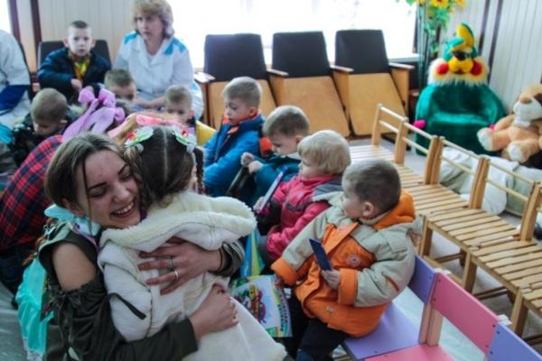 «Ти не один»: В ТНЕУ організували акцію для вихованців дитячого будинку
