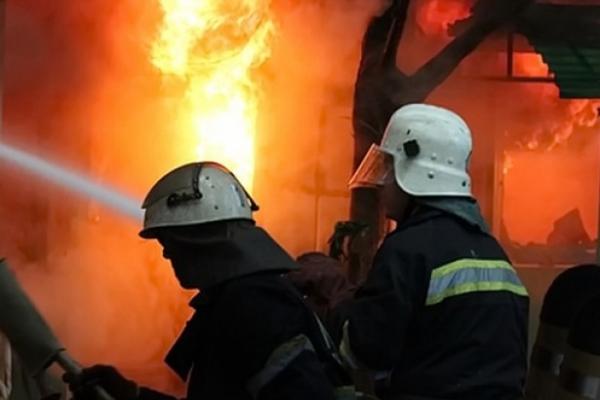 На Тернопільщині ледь не згорів магазин секонд-хенду