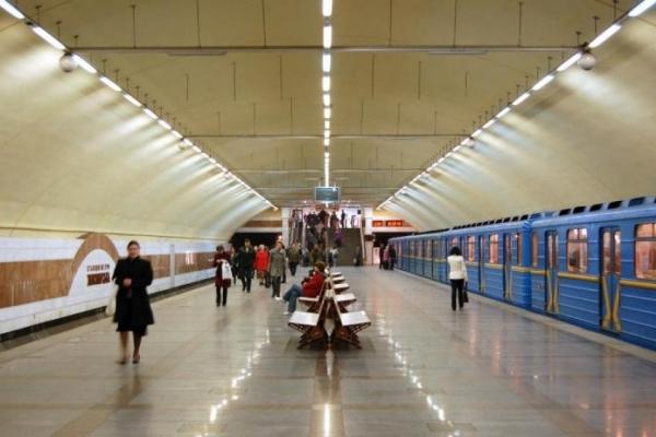 У київському метро ескалатор «зажував» руку п'ятирічної дитини