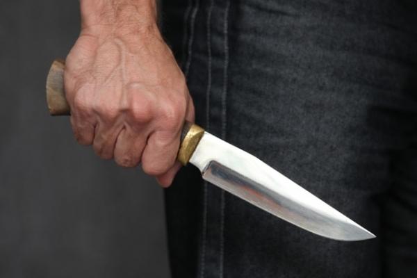 На Київщині чоловік вбив власну дружину і намагався вкоротити собі віку