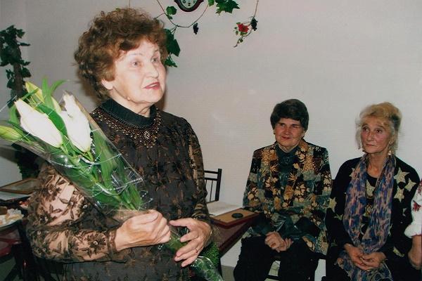 Українська Мадонна… № Д-452 (світлій пам'яті Лідії Романчук)