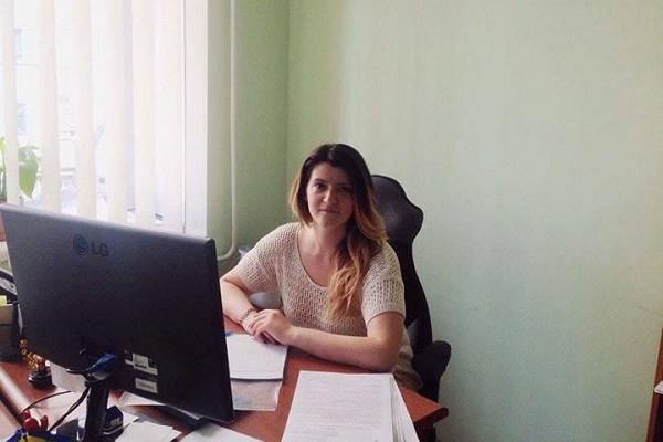 На Тернопільщині фахівчиня правового центру захистила переселенця