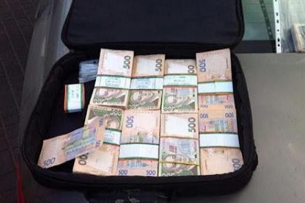 У Тернополі адвокат, якого cпіймали на вимаганні, вийшов під заставу в 0,5 млн грн