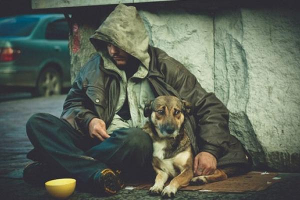 Завдяки журналістам бездомний з Монастириська отримав житло і роботу