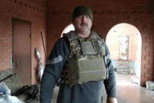 «Після втрати на Майдані своєї кровинки – Ігоря Костенка, я допомагаю бійцям, які на передовій захищають рідну Україну», — волонтер Ігор Костенко