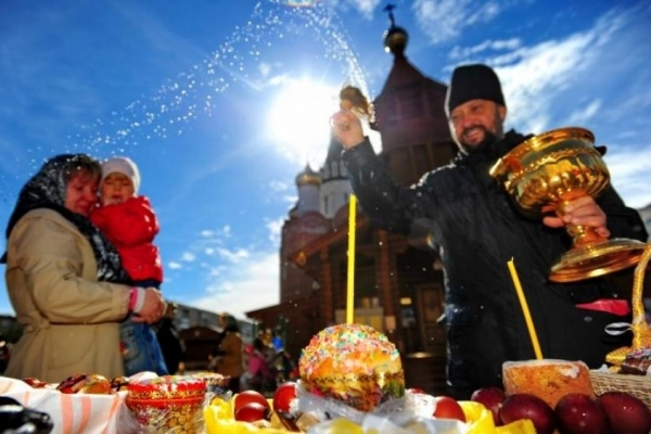 Про варіанти освячення великоднього кошика під час карантину розповідають священники Тернопільщини