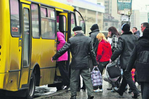 На Тернопільщині перевізники вимагають дозволити їм працювати в умовах карантину