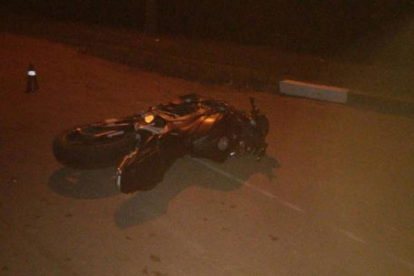 Невдалий обгін: на Тернопільщині зіткнулися скутер і мотоцикл