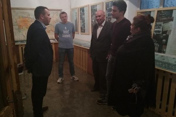 На Тернопільщині народний депутат України Іван Крулько поспілкувався із сільськими вчителями