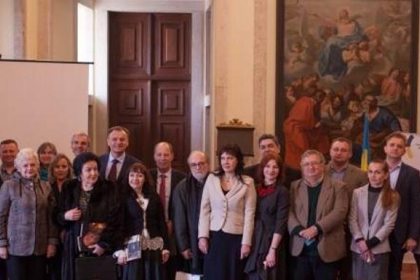У Португалії з тріумфом відбулася презентація проекту «Під зорею Пінзеля»