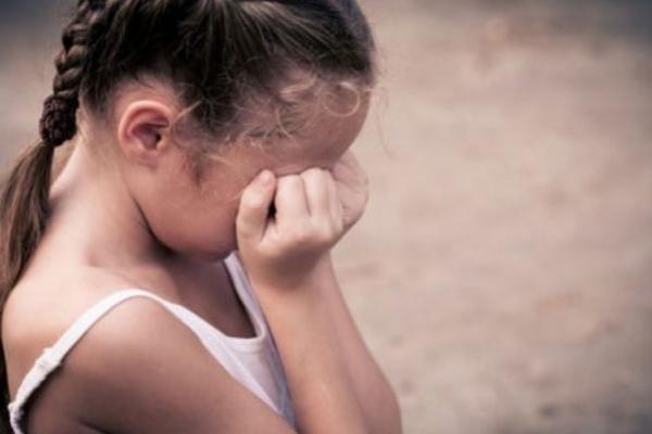 На Тернопільщині п'яний чоловік розбещував дівчинку