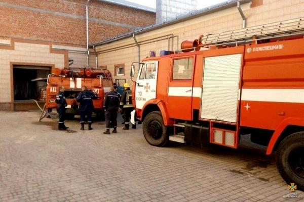 На Тернопільщині виникла пожежа в приміщенні виробничого цеху