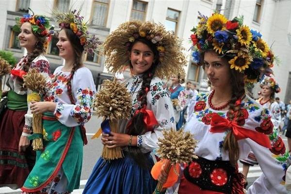 На фестивалі «Цвіт вишиванки» в Тернополі спробують встановити унікальний рекорд