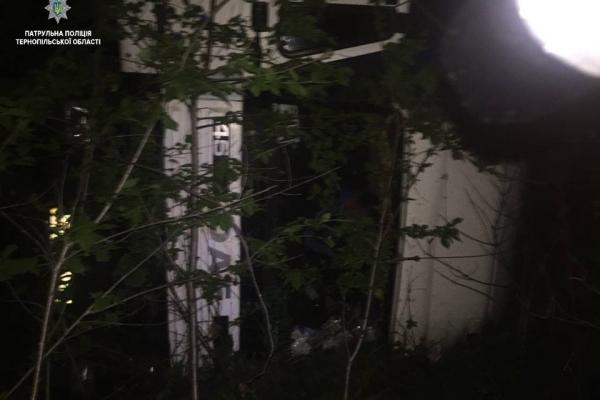 На трасі Тернопіль-Львів вантажівка зіткнулася з трактором (Фото)