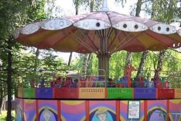 На початку травня у тернопільських парках запрацюють 17 атракціонів