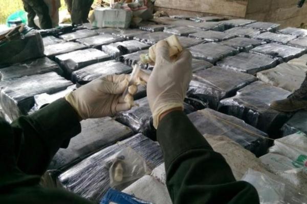 Лише за вихідні у Тернополі поліція чотири рази виявила у громадян речовини схожі на наркотики