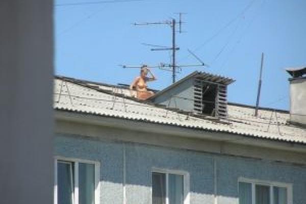 Засмагати на дахах будинків в Тернополі небезпечно