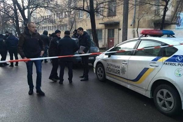 Київські аферисти відкрили стрілянину по копам
