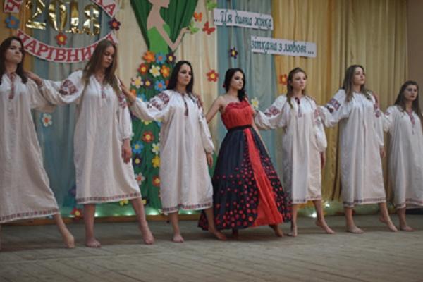 Найкрасивіші дівчата – у Чорткові на Тернопільщині (Фото)