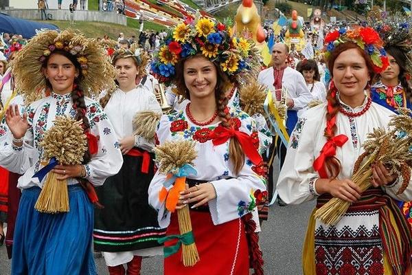 Завтра, 12 травня, у Тернополі  стартує фестиваль «Цвіт вишиванки»