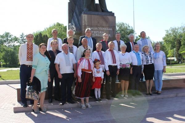 «Батьківщинівці» Тернопільщини приєднались до встановлення рекорду України (Фото)