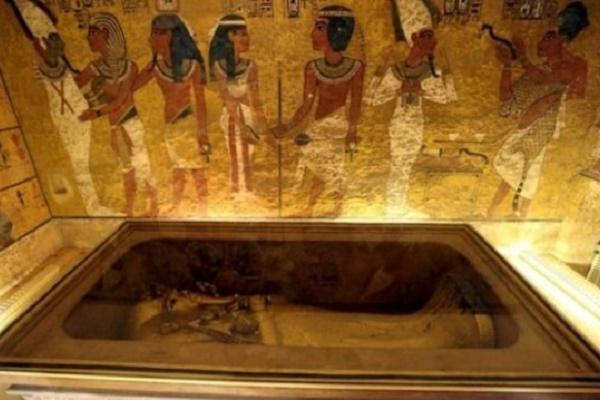 В усипальниці Тутанхамона так і не знайшли гробницю Нефертіті