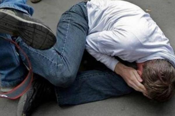 У тернопільському парку пограбували і побили чоловіка