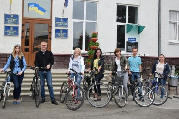 На Тернопільщині чиновникам, котрі будуть їздити на роботу велосипедом, дозволять не дотримуватися дрес-коду