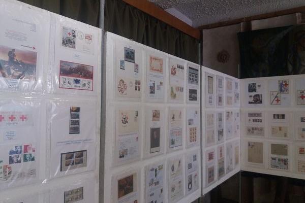 У Тернополі діє виставка марок до 100-річння створення Червоного Хреста України (Фото)