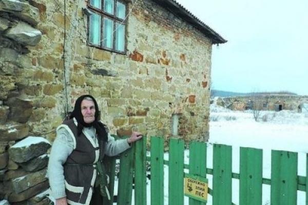 На Тернопільщині в старовинному замку живе бабуся-спадкоємиця