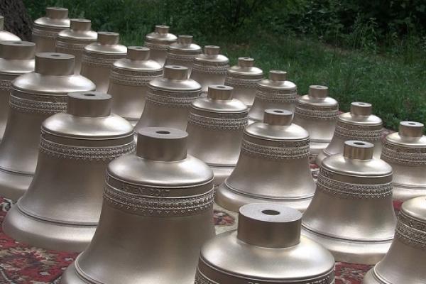 В Україну приїхали унікальні дзвони з Нідерландів (Фото)
