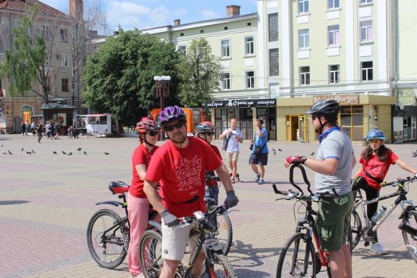 У Тернополі – Велодень  Колона велосипедистів проїхала вулицями міста (Фото) 607579e81bae9